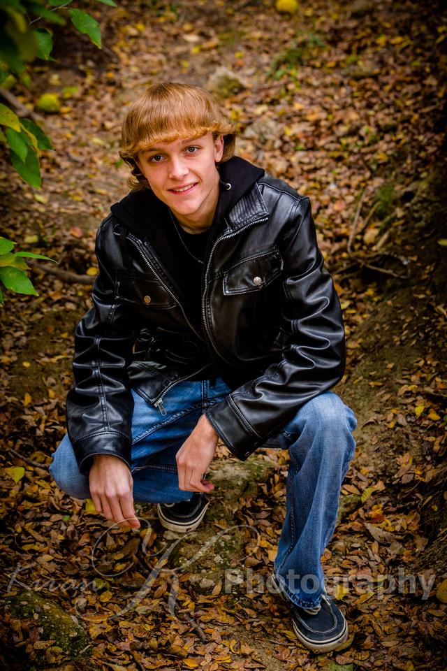 2013-11-9 - Joshua Wattier Senior Portraits (86)